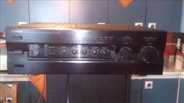 Yamaha AX-596 pojačalo