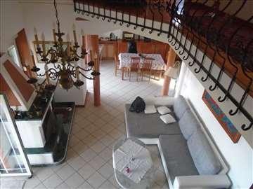 Lux kuća Grocka, Brestovik-Straževica