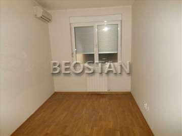 Novo u ponudi Hram poslovno stambeni apartman ID#1