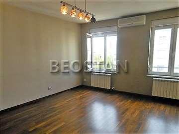 Novi Beograd - Blok 63 novo u ponudi LUX 1 SOBAN I