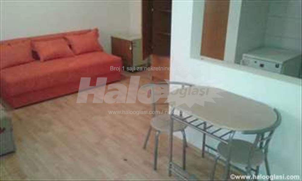Odličan mali stan za jednu osobu ili par  Halo Oglasi