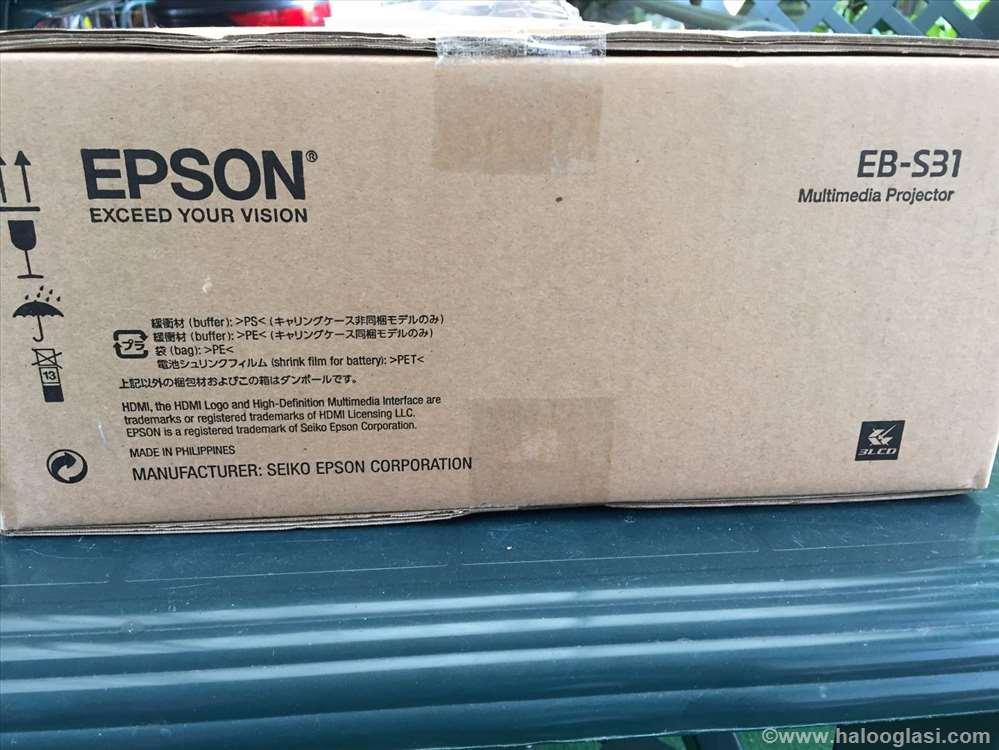 81332604b99 Prodajem projektor Epson EB S31 | Halo Oglasi