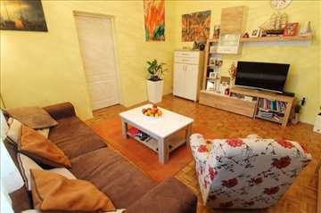 MODERAN, potpuno renoviran 2.0 stan na Vračaru