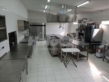 Izdajemo profesionalnu kuhinju u okviru Aqua Parka