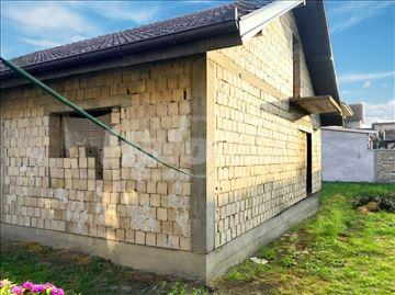 Prodaja kuća Banatski Karlovac | Halo oglasi nekretnine