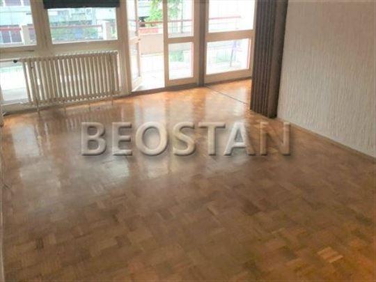 Novi Beograd - Blok 22 Poslovni Prostor ID#30436